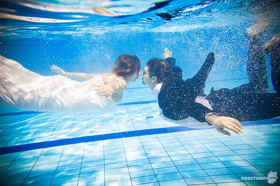 zdjecia w basenie